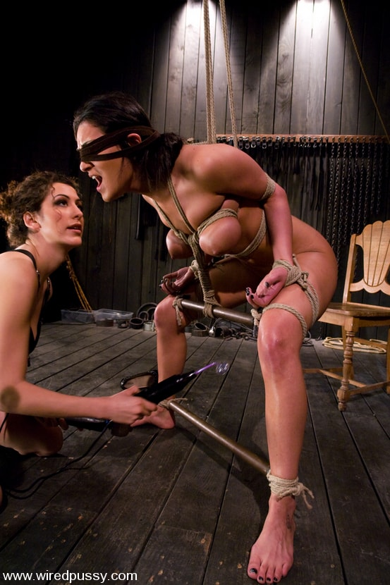 Kink 'Charlie's Natural 34 DD's get tied and shocked!' starring Charley Chase (Photo 1)