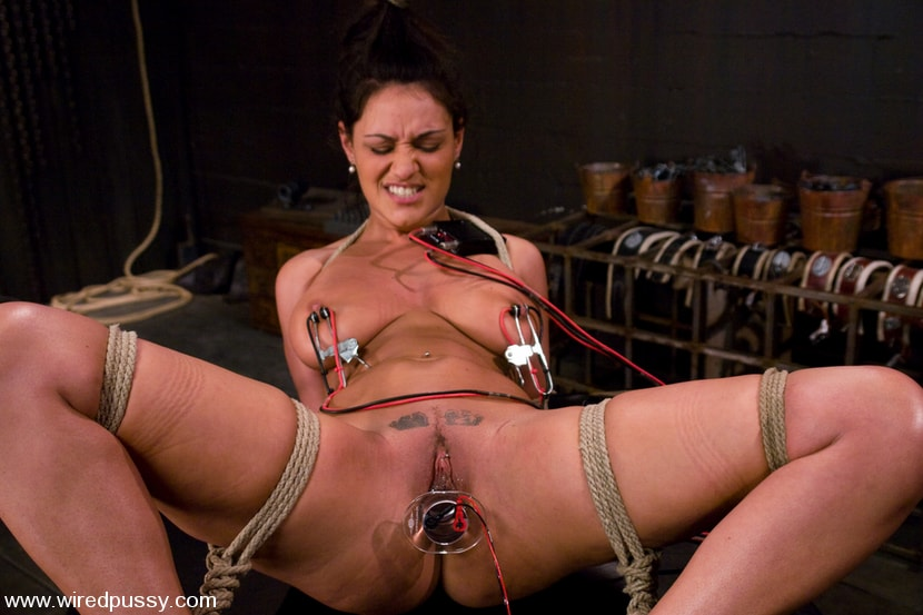 Kink 'Charlie's Natural 34 DD's get tied and shocked!' starring Charley Chase (Photo 4)