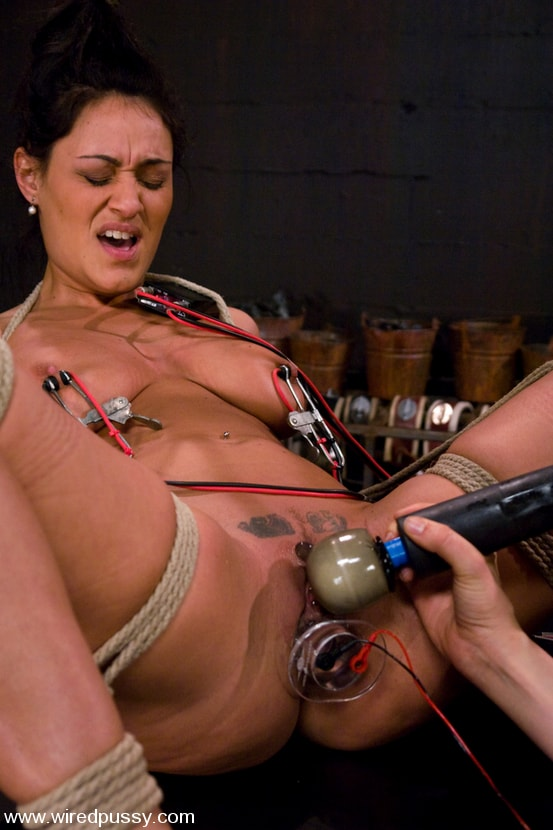 Kink 'Charlie's Natural 34 DD's get tied and shocked!' starring Charley Chase (Photo 5)