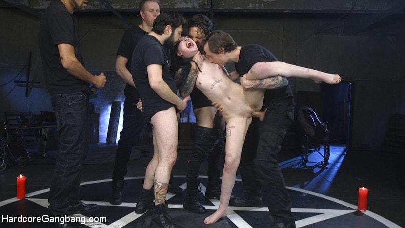 Kink 'Psycho Bitch Gangbang' starring Charlotte Sartre (Photo 7)