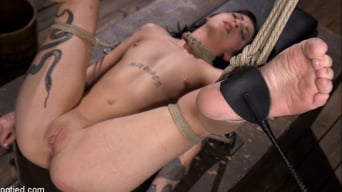 Charlotte Sartre में 'Submissive Goth Girl is Bound, Tormented, and Made to Cum'