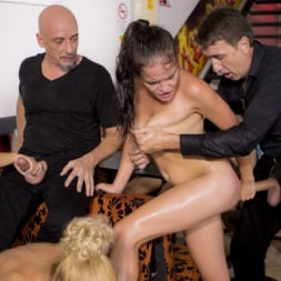 Cherry Kiss in 'Kink' Dolly Diore's All Out Public Fuckfest (Thumbnail 28)