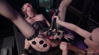 Cherry Torn in 'Hot MILF Simone Sonay submits to Latex Electo Dominatrix Cherry Torn'