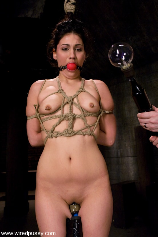 Kink 'and Jade Indica' starring Claire Adams (Photo 5)