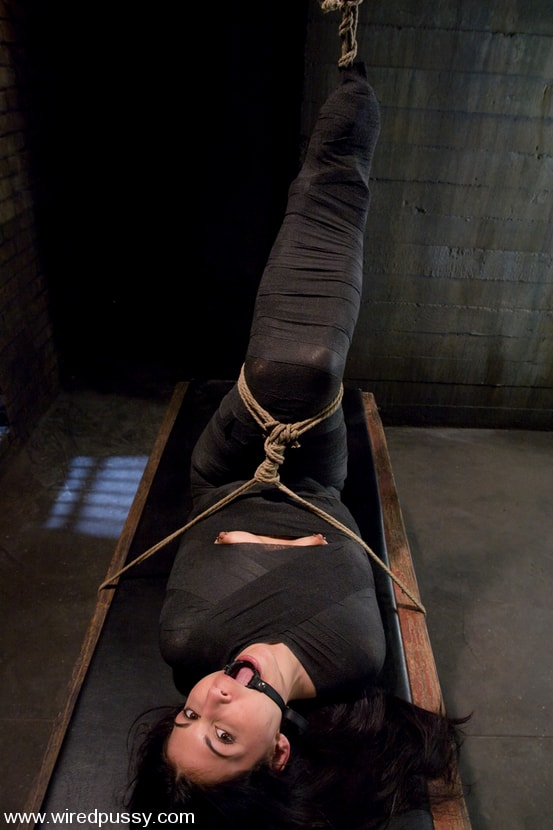 Kink 'and Jade Indica' starring Claire Adams (Photo 11)
