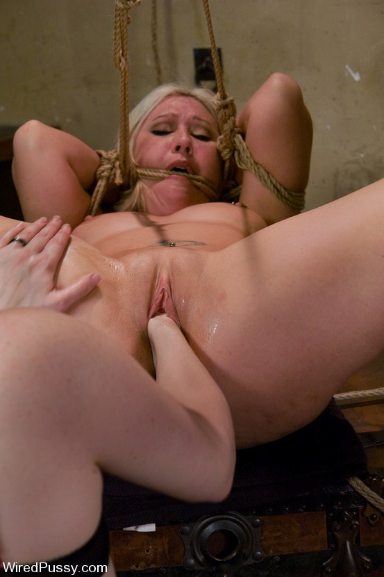 Kink 'Krissy Leigh gets bound and fisted' starring Claire Adams (Photo 3)