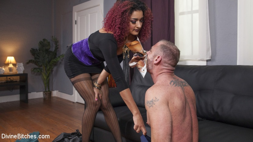 Kink 'Drown in my squirt, slaveboy!' starring Daisy Ducati (Photo 1)