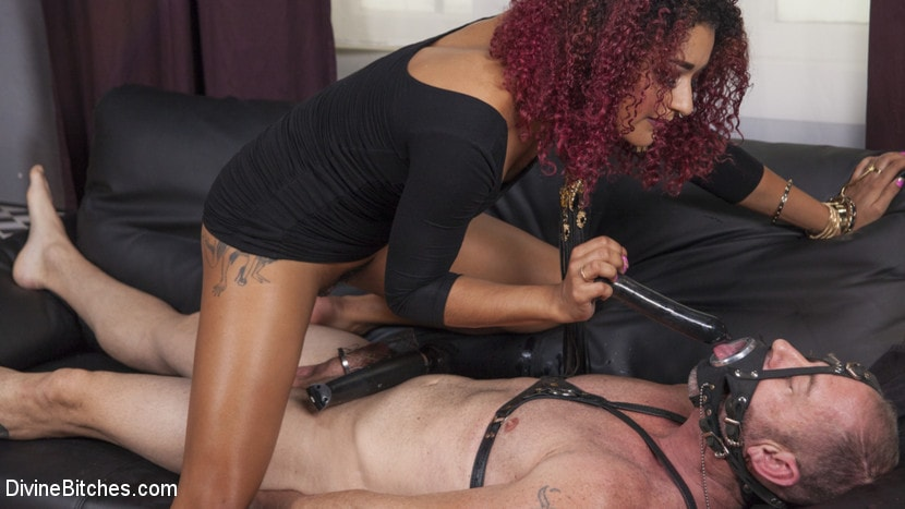 Kink 'Drown in my squirt, slaveboy!' starring Daisy Ducati (Photo 12)