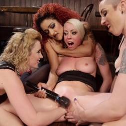 Daisy Ducati in 'Kink' Dyke Bar 2: Lorelei Lee Devoured by Hot Horny Lesbians! (Thumbnail 26)