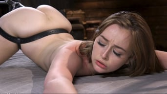 Danni Rivers in 'Petite Slut Danni Rivers Gets Machine fucked in Bondage'
