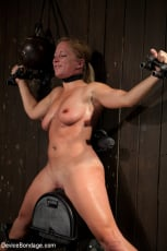 Dia Zerva - Nipple brutality on the sybian until sweaty and wrecked (Thumb 09)