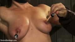 Dia Zerva - Nipple brutality on the sybian until sweaty and wrecked (Thumb 11)
