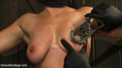 Dia Zerva - Nipple brutality on the sybian until sweaty and wrecked (Thumb 13)