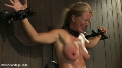 Dia Zerva - Nipple brutality on the sybian until sweaty and wrecked (Thumb 14)