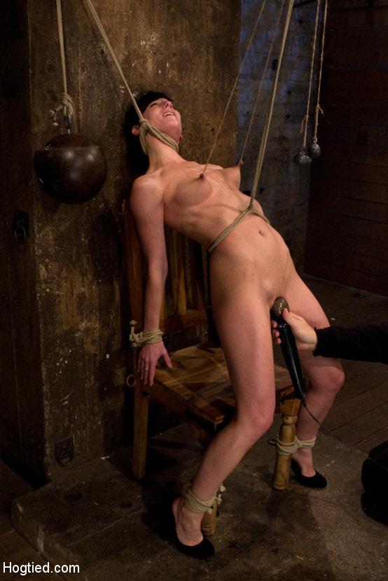 Kink 'Brutal nipple pulling, slow strangulation, extreme back arching Made to cum so hard, so often.' starring Elise Graves (Photo 2)