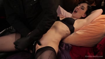 Elise Graves - Fingerbanging and G-Spot Mastery - Presented by Danarama