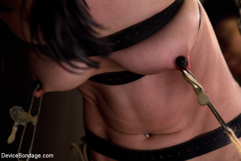 Kink 'Hard Bondage Equals Hard Orgasms' starring Elise Graves (Photo 12)