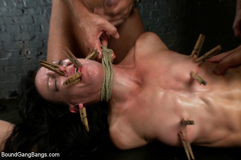 Kink 'Locked in a Dungeon and Used as a Sex Toy' starring Elise Graves (photo 6)