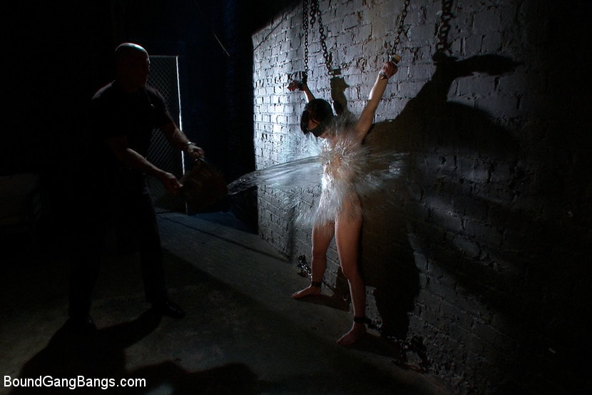 Kink 'Locked in a Dungeon and Used as a Sex Toy' starring Elise Graves (photo 11)