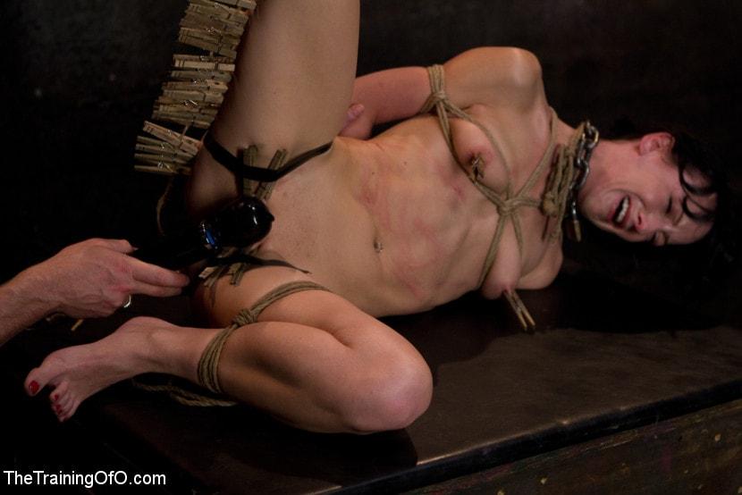 Kink 'Young Rope Slut Gets a Full Day of Intense Bondage - Live' starring Elise Graves (Photo 10)