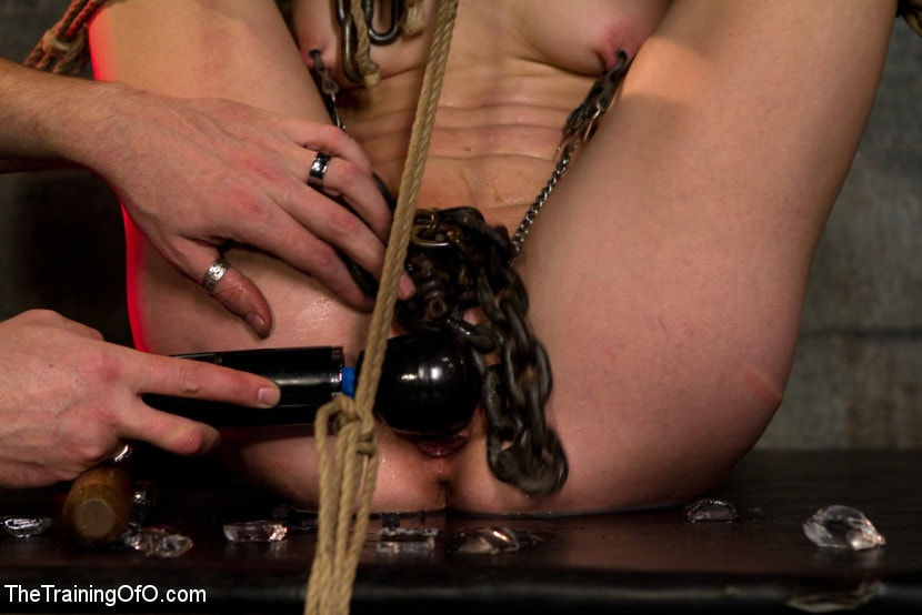 Kink 'Young Rope Slut Gets a Full Day of Intense Bondage - Live' starring Elise Graves (Photo 15)