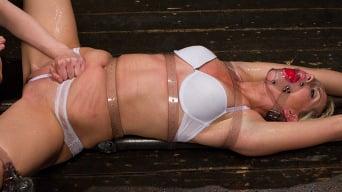 Elizabeth Thorn in 'Tara Lynn Foxx - Complete Edited Live Show'