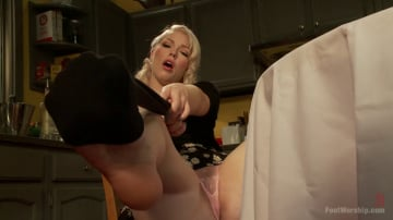 Ella Nova - Devastating Blonde Foot Job