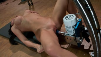 Elyse in 'Pilates Instructor - Elyse stretches for the machines'