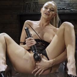 Emma Hix in 'Kink' Emma Hix: Hot Blonde Gets Machine Fucked Live (Thumbnail 1)