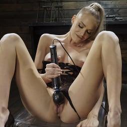 Emma Hix in 'Kink' Emma Hix: Hot Blonde Gets Machine Fucked Live (Thumbnail 2)