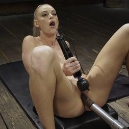 Emma Hix in 'Kink' Emma Hix: Hot Blonde Gets Machine Fucked Live (Thumbnail 10)
