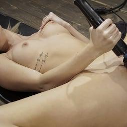 Emma Hix in 'Kink' Emma Hix: Hot Blonde Gets Machine Fucked Live (Thumbnail 11)