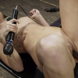 Emma Hix in 'Kink' Emma Hix: Hot Blonde Gets Machine Fucked Live (Thumbnail 12)