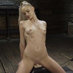 Emma Hix in 'Kink' Emma Hix: Hot Blonde Gets Machine Fucked Live (Thumbnail 14)