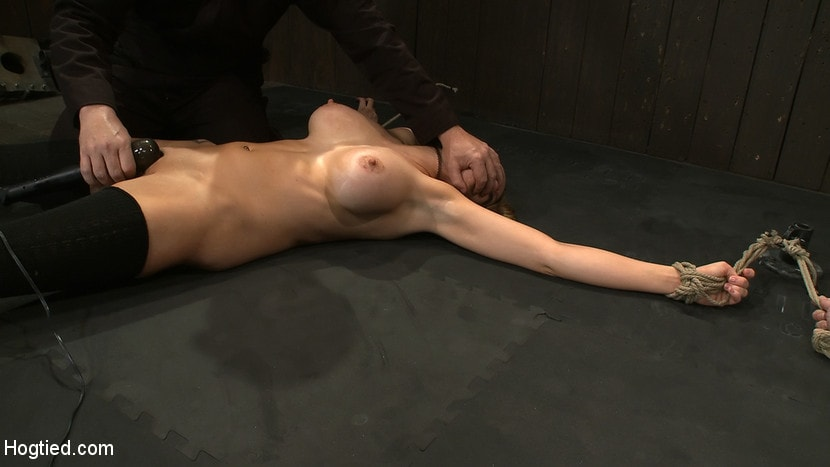 Kink 'ORGASMAGEDDON: Part 14 The beginning of 2 girls who will almost literally be orgasmed to death.' starring Felony (Photo 13)