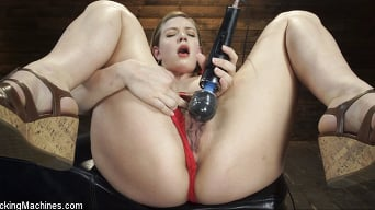 Giselle Palmer in 'Fresh Meat: Giselle Palmer Cums Repeatedly on the Machines'