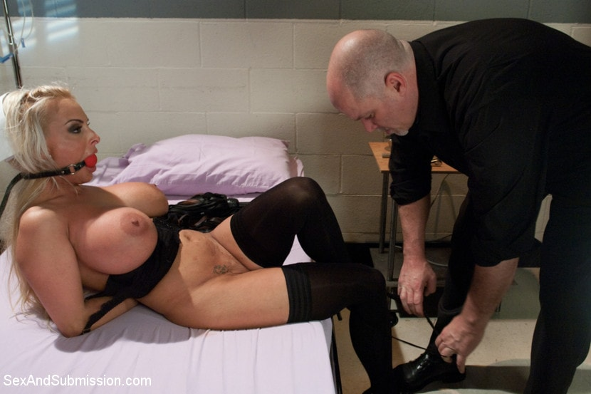Kink 'Coma Patient' starring Holly Halston (Photo 2)