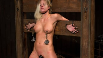 Holly Heart in 'Blonde Hard Bodied Bombshell'