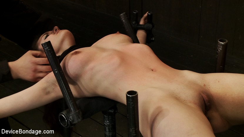 Kink 'Curvaceous Red Head' starring Iona Grace (Photo 2)