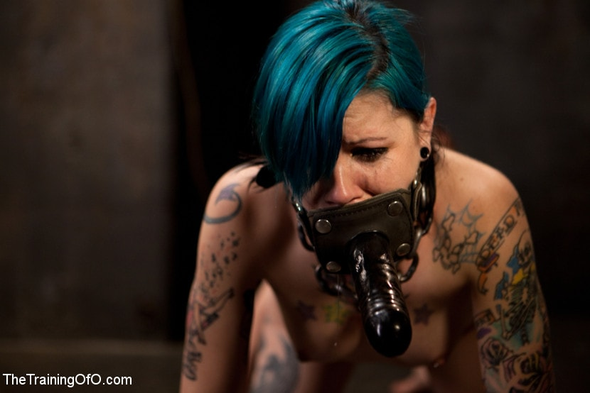 Kink 'Final Exam-blue and red' starring Iona Grace (Photo 7)