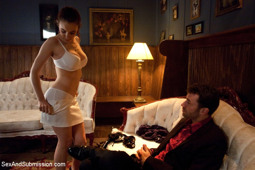 Kink 'Gentlemen's Club Audition' starring Iona Grace (Photo 18)
