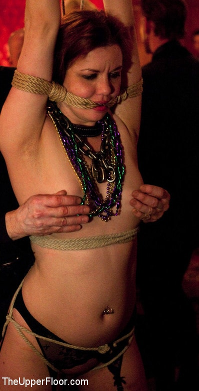 Kink 'Saint Patrick's Day' starring Iona Grace (Photo 10)