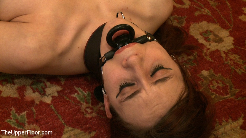 Kink 'Service Day: Iona' starring Iona Grace (Photo 7)