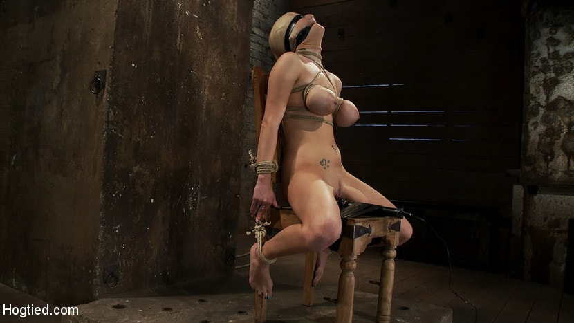 Kink 'BONDAGE TUTORIAL: How to properly do a chair tie, we also teach you the secret of the INSEX mask' starring Isis Love (Photo 5)