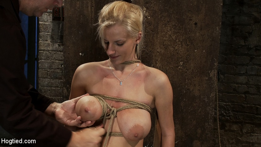 Kink 'BONDAGE TUTORIAL: How to properly do a chair tie, we also teach you the secret of the INSEX mask' starring Isis Love (Photo 13)