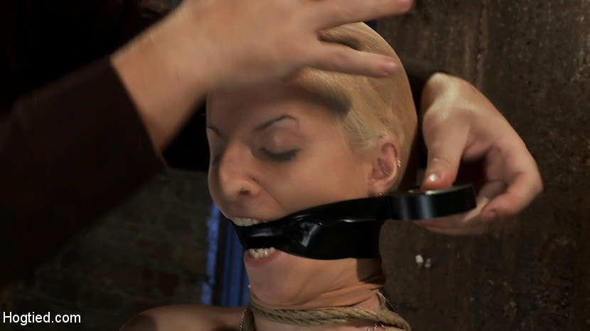 Kink 'BONDAGE TUTORIAL: How to properly do a chair tie, we also teach you the secret of the INSEX mask' starring Isis Love (Photo 16)