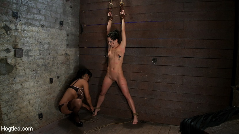 Kink 'Brutalize her with a massive dose of tickling. Boy does she hate every second! C5 suspension' starring Isis Love (photo 1)