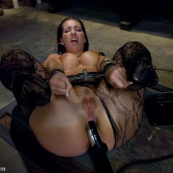 Isis Love in 'Kink' Kelly and her Divine Ass (Thumbnail 15)