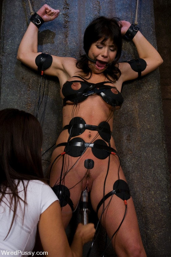 Kink 'No Ladies Allowed' starring Isis Love (Photo 3)