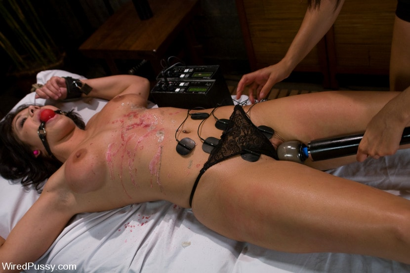 Kink 'No Ladies Allowed' starring Isis Love (Photo 19)